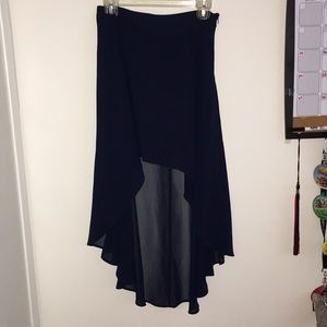 High-Low solid skirt